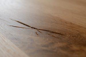 Hout repareren | Kras in tafel